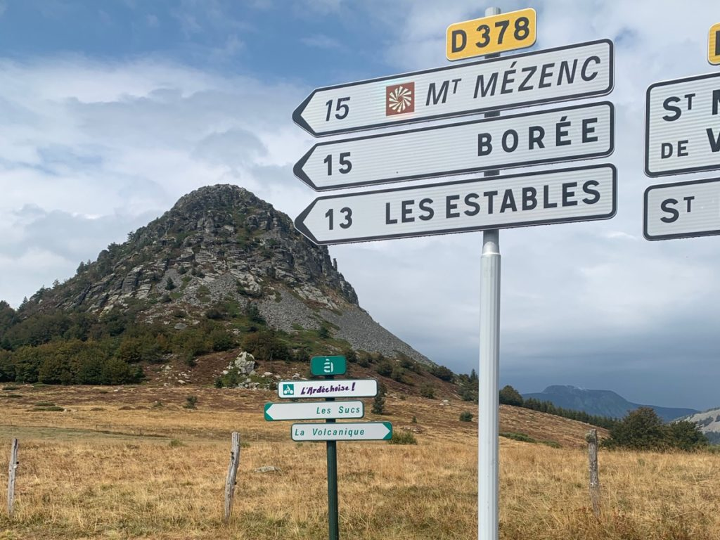 Mont Gerbier de Jonc - paysage plateau ardéchois - vacances à vélo Myrtilles