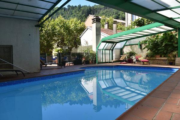 piscine Grand Hôtel de Lyon à Vals les Bains - un de vos hébergements pour le séjour vélo Genêts