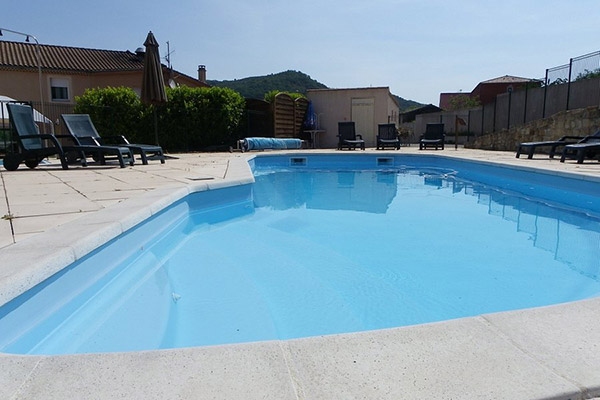 piscine hôtel les châtaigniers à Privas - votre hébergement pour le séjour vélo castagnades