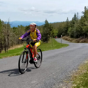 séjour vélo Haut Lignon mai 2021 - cycliste en vélo à assistance électrique