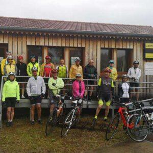 séjour vélo Myrtilles juin 2021 - photo de groupe au départ