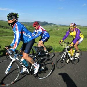 séjour vélo Myrtilles juin 2021 - cyclistes sur la route
